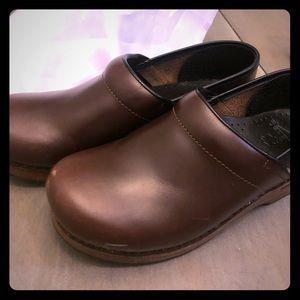 Size 39 brown leather Dansko's